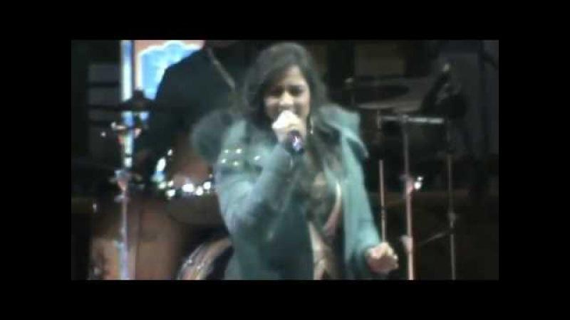 Shreya Ghoshal Live Bollywood Hindi Song 'Saans' in Ladakh