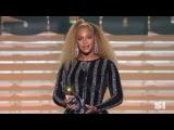 Beyonce present Mohammed Ali Legacy Award