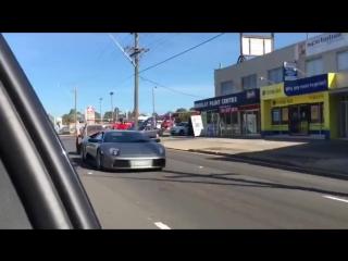 Парень везёт коз на Lamborghini Murcielago