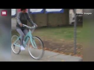 November 1: Video of Justin and Selena Gomez seen biking in Los Angeles, CA.