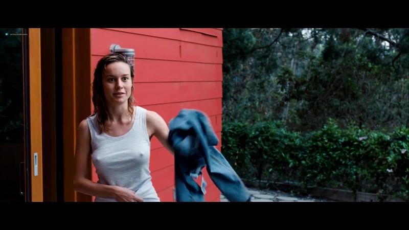 Анна Кендрик (Anna Kendrick) и Бри Ларсон (Brie Larson) голые в фильме «В поисках огня» (2015)