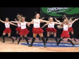 Молоденькие, жопатые девочки в красных юбочках и трусиках