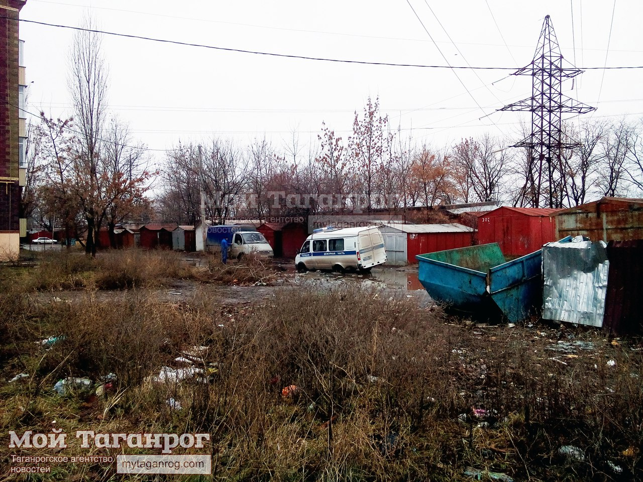 В Таганроге полицейская «ГАЗель» «села» в знаменитую «мариупольскую» яму
