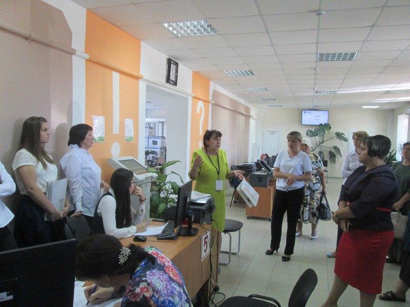 Работники МФЦ Зеленчукской узнали о нововведениях и изменениях в пенсионной системе