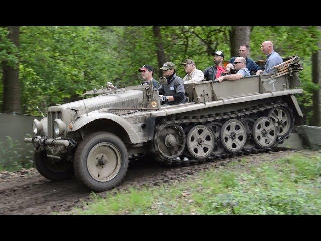 A group of 10 driving through the wood » Freewka.com - Смотреть онлайн в хорощем качестве