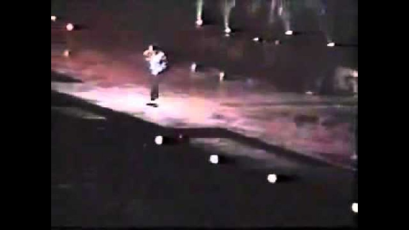 Michael making BLOOD ON THE DANCE FLOOR LIVE IN MANILA HISTORY WORLD TOUR 1997