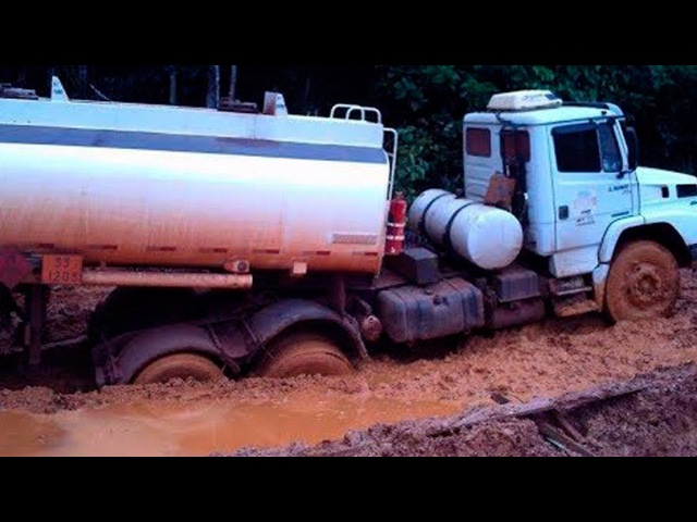 Best Extreme Road Amazing Truck Tanker Driving Skills In Difficult Road