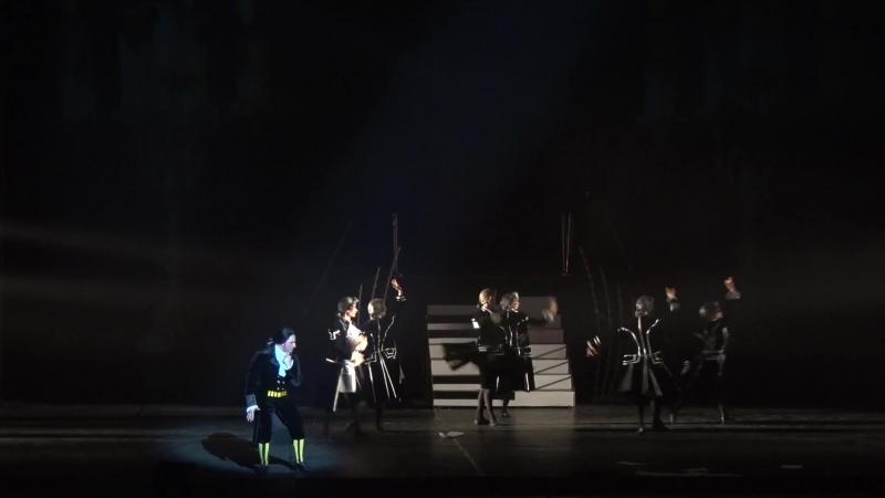 Фрагмент из Концерта На бис Ария Сальери из рок оперы Моцарт Исполняет Виталий Ревякин