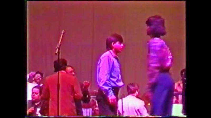 Шахрукх Кхан и Санни Деол на репетиции шоу - концерта 1994 г