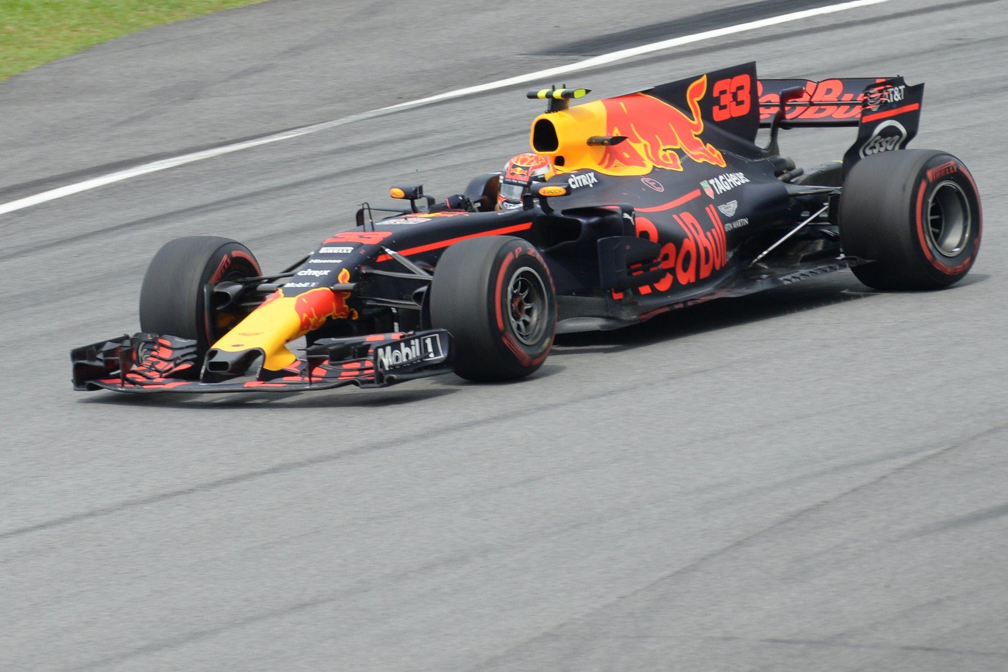 Пилот «Ред Булл» Ферстаппен одержал победу Гран-при Малайзии