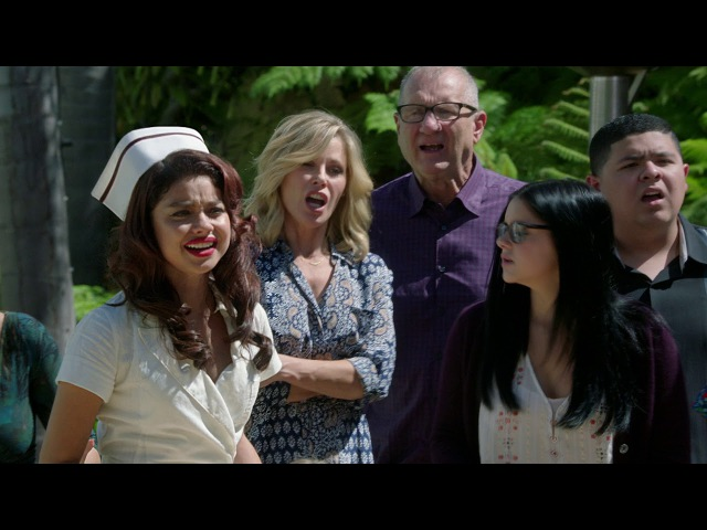 Phil's Magic Trick - Modern Family
