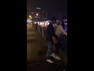 Саша Травка и Настя Рыбка ебуться с прохожим на набережной Тараса Шевченко в Москве