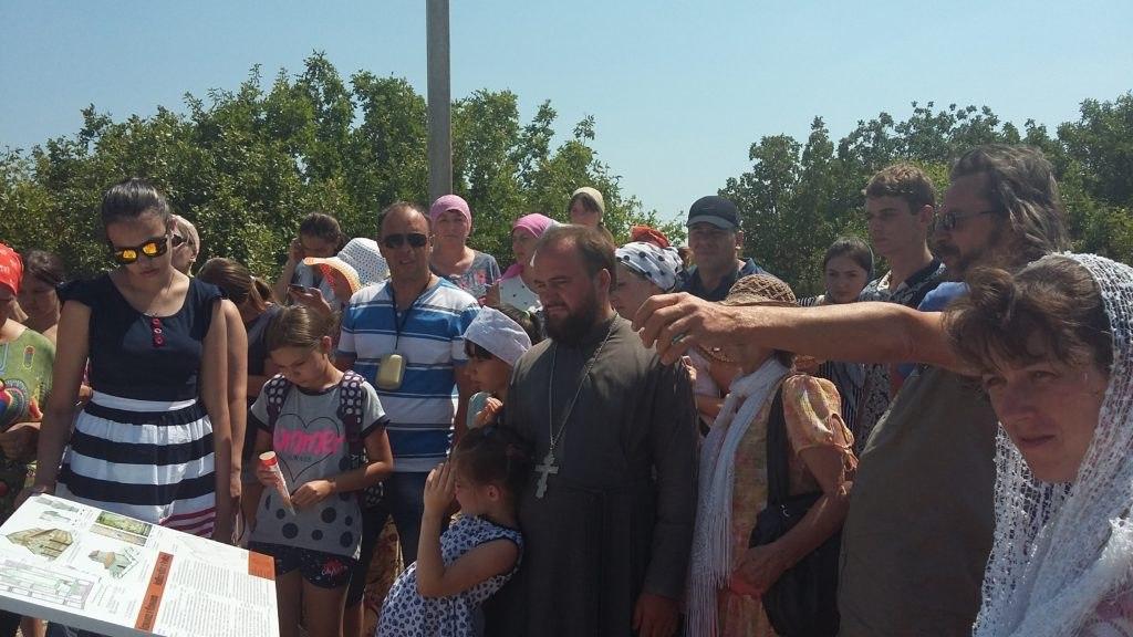 Жители Зеленчукского района совершили паломничество в Крым