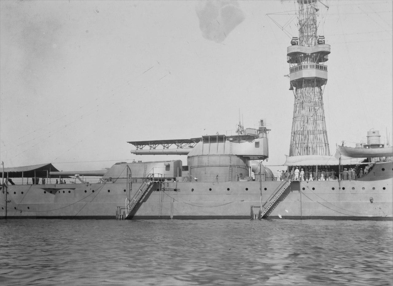 Кормовая группа башен ГК линкора Пеннсильвания.Гуантанамо,начало 1920г.