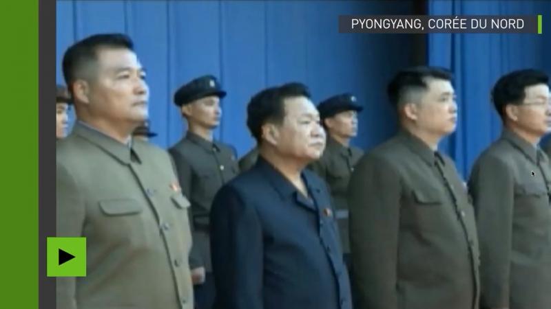 Corée du Nord : une foule énorme défile contre les sanctions de l'ONU et les menaces de Trump. North Korea: a huge crowd passes