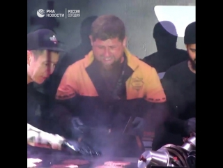 Кадыров и Тимати готовят бургеры
