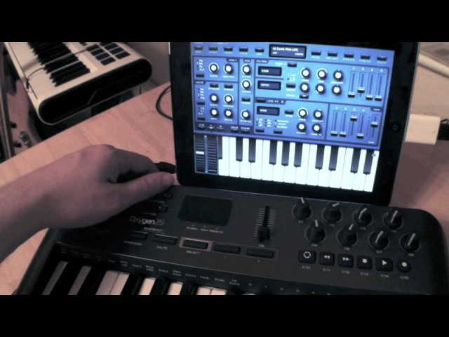 M-Audio Oxygen Keyboard With Sunrizer iPad App
