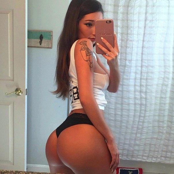 Aishwarya boobs pics