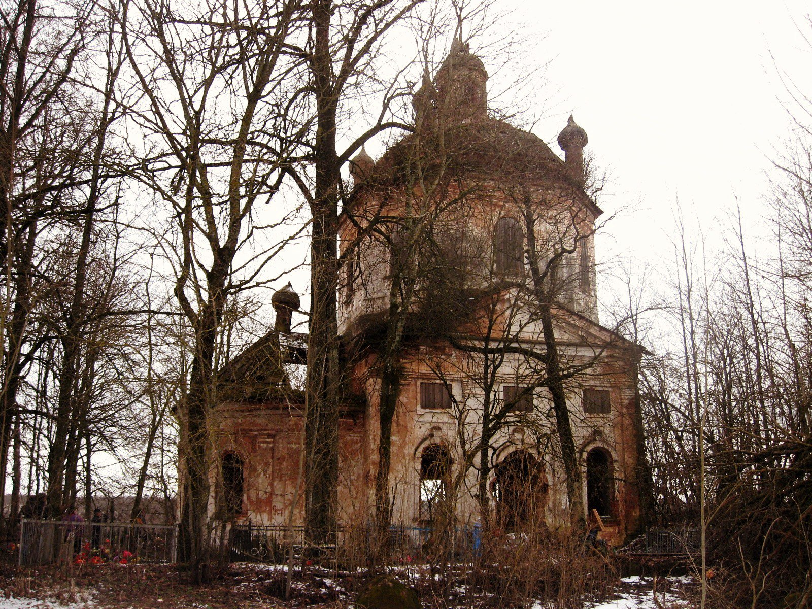 Village Zapolie. Abandoned Church of St. Clement, Pope