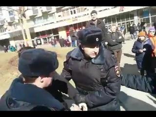 На антикоррупционном митинге задержали участника акции