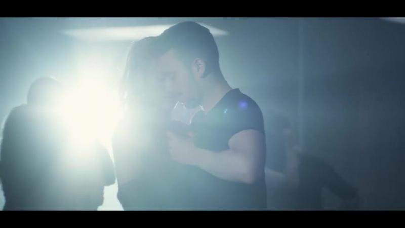 Prince Royce, Shakira - Deja vu (Official Video)