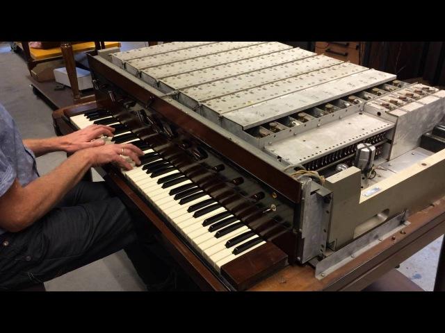 We'll meet again performed on a Hammond Novachord built in 1939