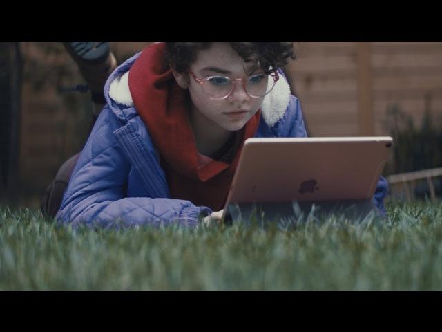 Реклама Apple про современных подростков, которые не знают слова «компьютер»