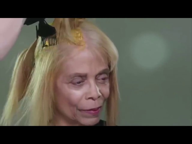 Ужасная прическа старила ее на 20 лет Парикмахер наколдовал — и женщина стала ка...
