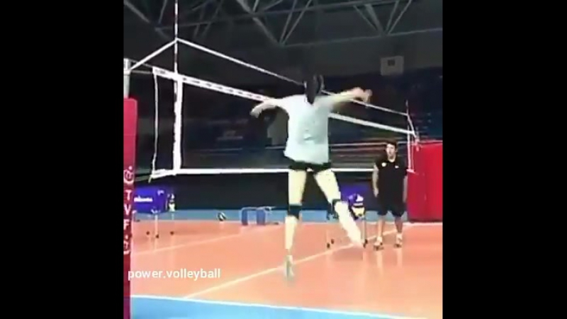 Así_entrena_la_campeona_olimpica_Zhu_Volleyball_World[fbdown.me]