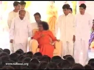 видео Sandeep Sharma. LOVING SAI RAM (DIVINE DARSHNAM OF BHAGWAN , BACKGROUND BHAJAN IS SO MELODIOUS) MAHADEV SHIV SHAMBHO
