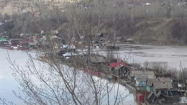 Большая вода: в Прикамье подтопило дворы и огороды