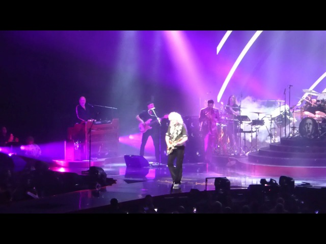 Queen Adam Lambert - Dont Stop Me Now - Newcastle