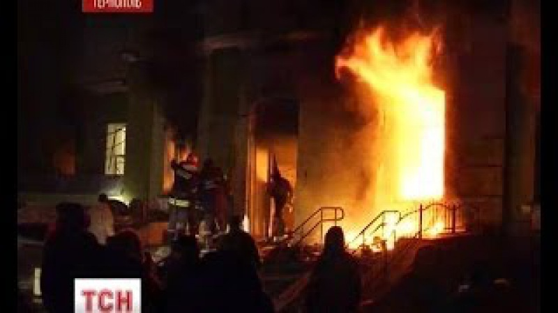 На Заході України активісти продовжують захоплювати держустанови