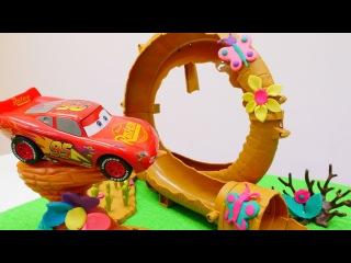 #Çizgifilm oyuncakları! Şimşek #McQueen🏎️ ile Araba yarış PİSTİ süslüyoruz🦋🌻🌹! Hamur oyunları.