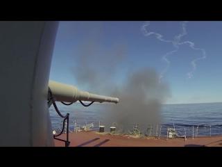 Heavy_missile_cruiser_Petr_Veliky_artillery_fire