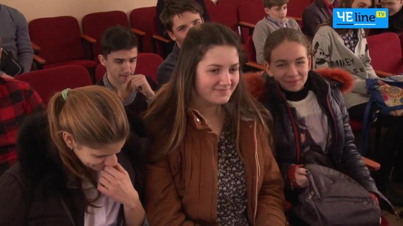 Освітяни Деснянської ОТГ святкують перемогу школи ремонтують і зарплату не затримують