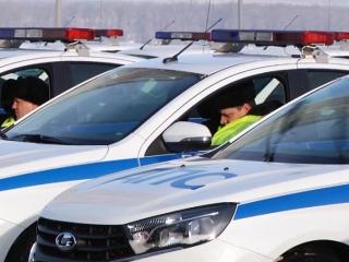 Полицейские Самарской области получили 50 новых автомобилей