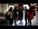 Довелося танцювати в ресторані Під Золотою Розою щоб отримати відповідь на завдання квесту