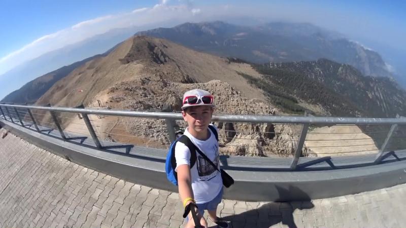 Турция . Вершина Таврических гор - Тахталы. Высота горы 2365 м над уровнем моря.