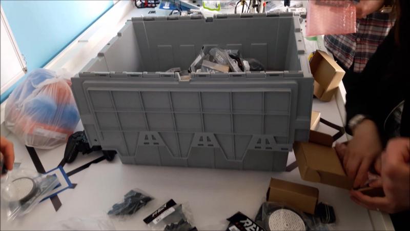 Веселий unbox 16ти кілограм робототехнічного щастя REV Robotics для змагання з робототехніки FIRST Global