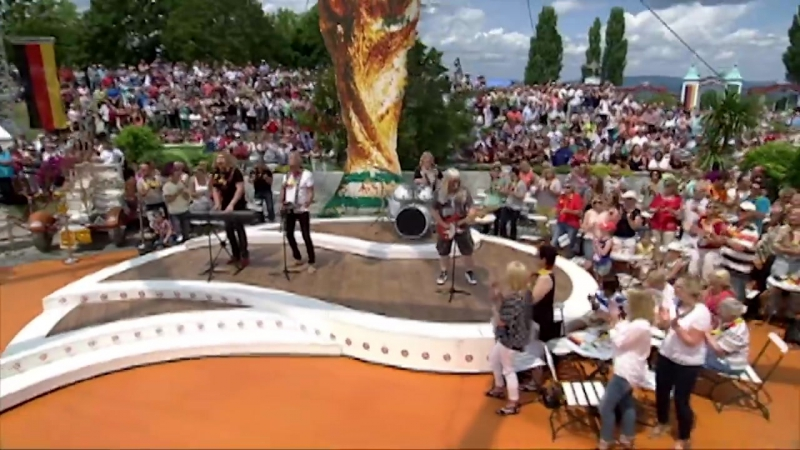 Sweet - Love Is Like Oxygen ZDF-Fernsehgarten, 06.07.2014 (OFFICIAL)