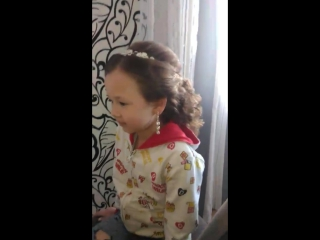 прическа для маленькой принцессы на выпускной в дет. саду!