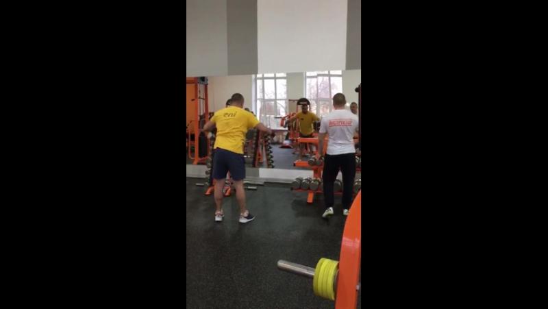 Владимир Юрьевич- инструктор тренажерного зала белая полоса