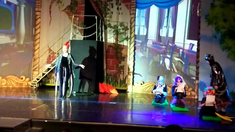 Дочь Лиза - Злая королева из Белоснежки и 7 гномов (мюзикл Наследники)