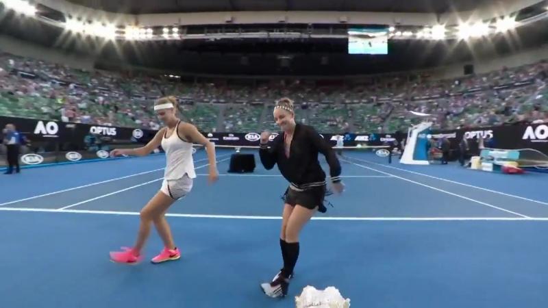Australian Open 2017. Бетани Маттек -Сэндс и Люси Шафаржова отожги на корте!