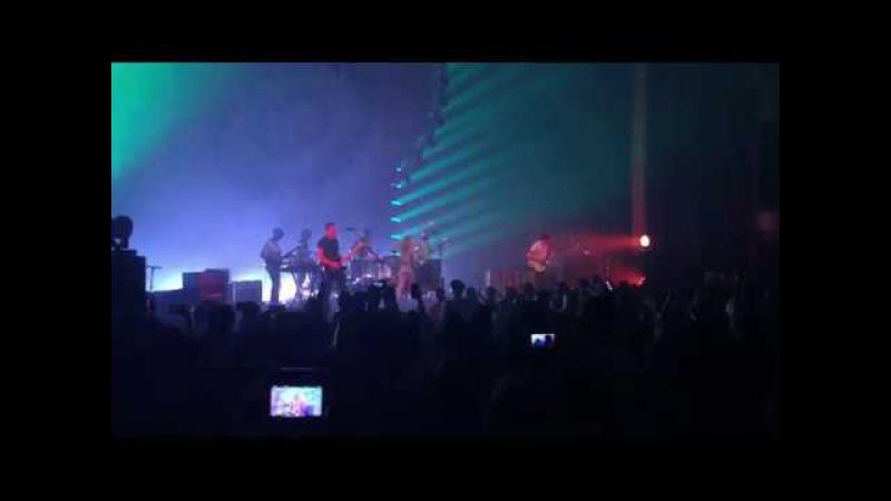 Paramore - Ain't It Fun (Orlando, FL 12/5/17)