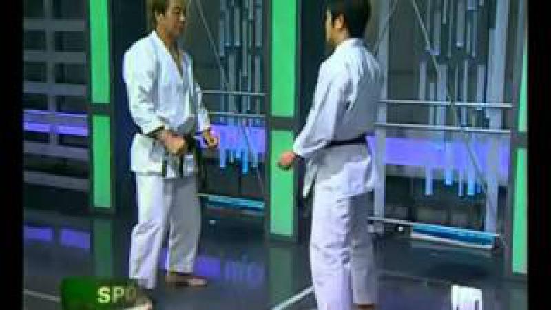 Kancho Hirokazu Kanazawa 10th Dan and MANABU MURAKAMI 7th Dan, Karate Shotokan in action.