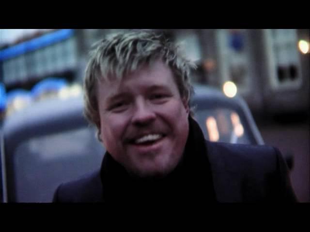 Rene Karst - Nooit om de liefde huilen