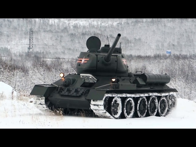 Т-34,ИС-3 и Су-100 — взвод исторической бронетехники Северного флота ВМФ России.