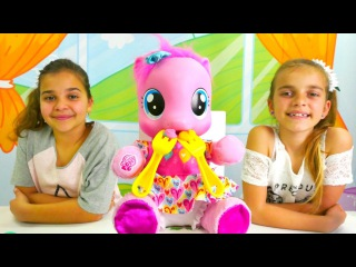 Play Doh Tatlı partisi - yemek yapma oyunu 🍰. Sema ve Ayça muffin yarışması yapıyorlar 🌹!